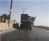 فيديو| «مقلب قمامة» متحرك على الطريق السريع بالقليوبية