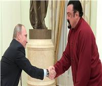 الرئيس بوتين يتوجه بالشكر إلى ستيفن سيغال