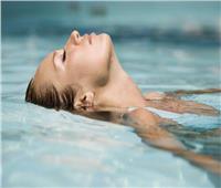 السباحة في المياه الباردة تقي من مرض خطير