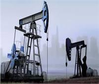 أسعار النفط العالمية تواصل انخفاضها بعد تزايد تخوف العالم من كورونا