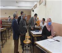 رئيس جامعة بنها يتفقد الإجراءات الاحترازية بهندسة شبرا