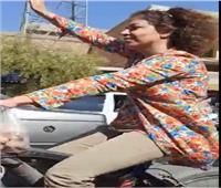فيديو.. إيرانية بدون حجاب تشعل الـ«سوشيال ميديا»