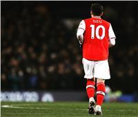 «أوزيل» يرد على قرار آرسنال باستبعاده من الدوري الإنجليزي