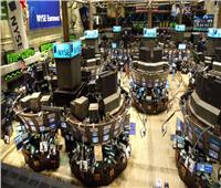 الأسهم الأمريكية تغلق مرتفعة بفضل أنباء تحفيز كورونا المالي
