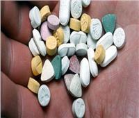 حبس عاملين عثر بحوزتهما على 800 قرص مخدر بالساحل