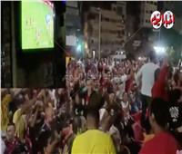 فيديو | فرحة جمهور الأهلي بعد هدفي الشوط الأول في مرمى الوداد المغربي