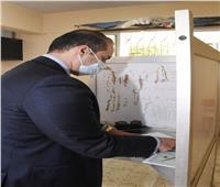 الأمين العام لمجلس النواب يدلي بصوته في انتخابات مجلس النواب2020