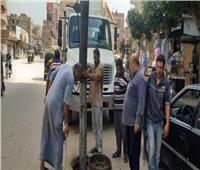صيانة البلوعات بمدينة كفر شكر بالقليوبية استعدادا لموسم الأمطار