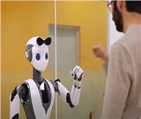 شاهد.. كيف تساعد الروبوتات في مكافحة جائحة «كورونا»؟