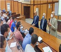 رئيس جامعة طنطا يتابع انتظام الدراسة وتطبيق الإجراءات الآحترازية بكلية الهندسة