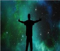«اللي يخاف من العفريت يطلعله»| «طاقة الجذب».. أسرار كونية لحياة الثراء