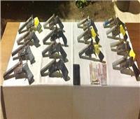 ضبط 15 قطعة سلاح ناري بحوزة أحد العناصر الإجرامية بالدقهلية