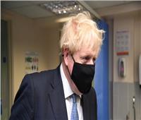 بعد كسر المليون إصابة بكورونا.. جونسون يعلن إجراءات غلق جديدة في بريطانيا