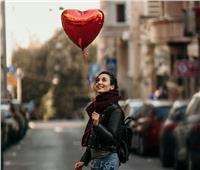 لو كنت «سينجل».. كيف تقضي ليلة عيد الحب؟