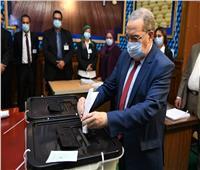 انتخابات النواب 2020   وزير الإنتاج الحربي يدلي بصوته في مصر الجديدة