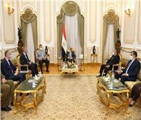 وزير الإنتاج الحربي يبحث مع سفير بولندا بالقاهرة سبل التعاون في التصنيع