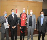 محافظ بني سويف يُكرًم طلائعمشروع «أولمبياد الطفل المصري»