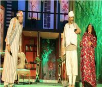 صور.. أول ليالي «أبي تحت الشجرة» على مسرح السلام