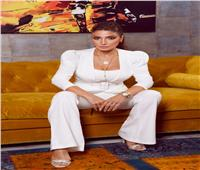 بالأبيض.. جلسة تصوير جديدة لـ«روجينا» استعداد لـ«بنت السلطان»