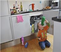«لو شرب كلور».. 9 طرق سريعة لإنقاذ طفلك
