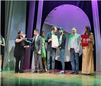 «أغنية على الممر».. أفضل عرض شارع بمهرجان شرم الشيخ للمسرح الشبابي