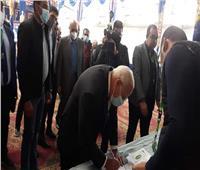 محافظ بورسعيد يدلي بصوته في انعقاد الجمعية العمومية للنادى المصرى