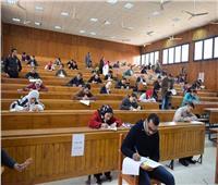 حقيقة إلغاء امتحانات الفصل الدراسي الأول بالجامعات والمعاهد واستبدالها بأبحاث
