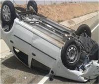 مصرع شخصين وإصابة 4 في انقلاب سيارة بصحراوي البحيرة