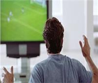 «لو جوزك مُتعصب».. نصائح للتهدئة من روعه أثناء مشاهدة مباراة القمة