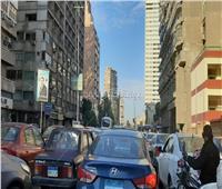 تكدس وزحام مروري في شوارع القاهرة والجيزة بسبب الأمطار.. فيديو