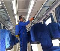 تعقيم قطارات السكك الحديدية ضد كورونا حماية للركاب| صور