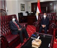 السيسي يلتقي نائب رئيس جنوب السودان في جوبا