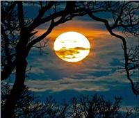 «بدر ربيع الآخر»يزين السماء.. الليلة