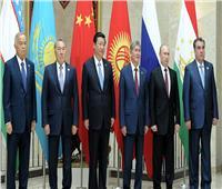 الدولار في مأزق .. روسيا تدعو منظمة شنجهاي لاستبداله بعملات وطنية
