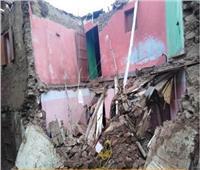 مأساة أسرة في العراء.. منزلها تهدم في «منخفض التنين»| صور