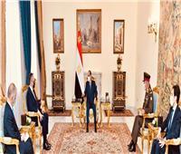 السيسي يبحث مع وزير الدفاع اليوناني سبل التعاون العسكري