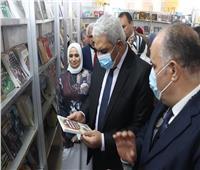 نائب رئيس جامعة الأزهر يفتتح معرضَ الكتاب بفرع البنات بتخفيضات كبيرة