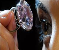 خاتم يحتوي على عدد خيالي من الماسات يدخل موسوعة «جينيس»