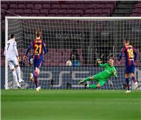 فيديو  رونالدو يسجل الهدف الثالث ليوفنتوس في برشلونة