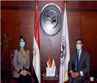 رئيسا هيئتي الاستثمار بمصر والعراق يبحثان سبل تعزيز التعاون بين البلدين.. صور