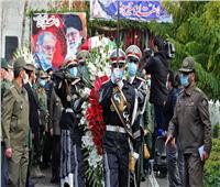 إيران تمنح العالم النووي فخري زاده وساماً عسكرياً رفيع المستوى