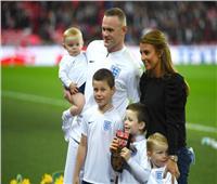 روني يوقع لمانشستر يونايتد رسميًا