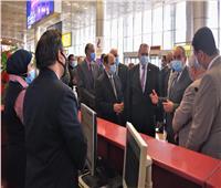 جولة تفقدية لوزير الطيران ورئيس منظومة الشكاوي بمطار القاهرة