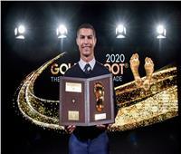 رونالدو يتفوق على صلاح وميسي ويحصد جائزة القدم الذهبية