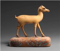 صور| تمثال «سابق عصره».. غزالة فرعونية من العاج