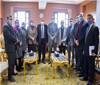 لجنة من وزارة التعليم العالي لاعتماد المعمل المركزي بكلية الدراسات العليا