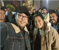 أحمد رزق ينشر كواليس الإحتفال بإنتهاء تصوير «في يوم وليلة»