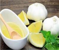 اكتشف أسرار الصحة والمناعة في خليط الثوم والليمون
