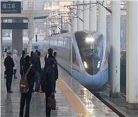 """تشغيل القطارات فائقة السرعة الجديدة من طراز """"فوشينغ"""" لأول مرة"""