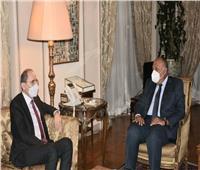 وزير الخارجية يستقبل نظيره الأردني لبحث العلاقات الثنائية